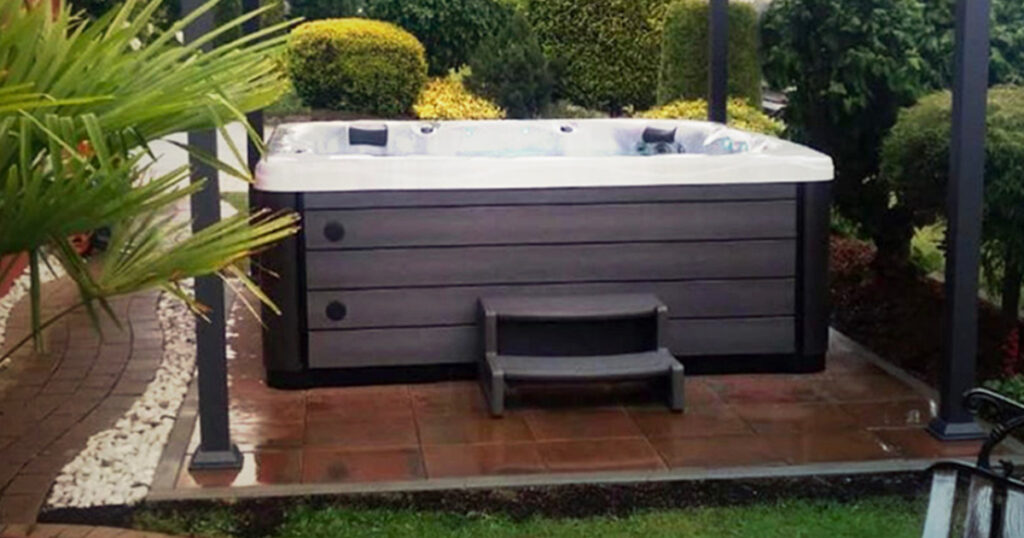 small backyard hot tub