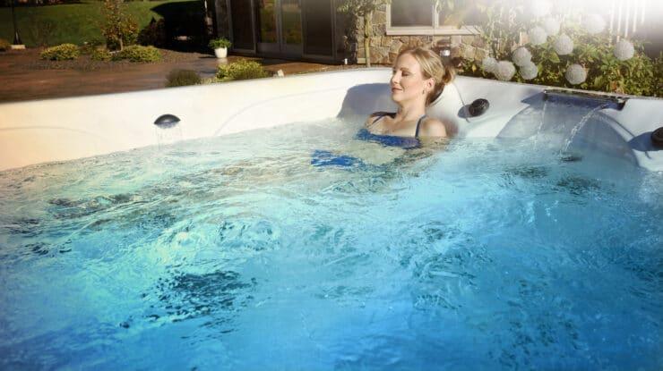 hot tub lounge