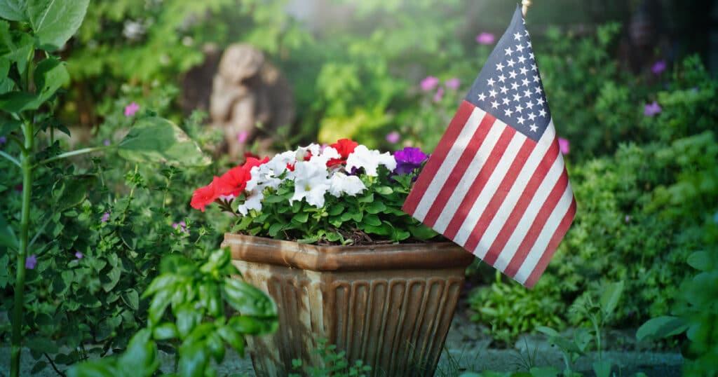 patriotic planter for patio