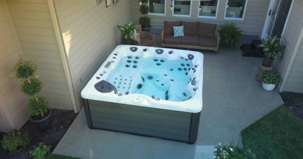 clear up hot tub water