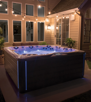 Ambient light can help relaxation in a hot tub with dreamstone lighting