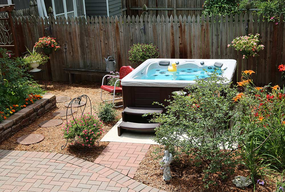 Backyard Landscaping Hot Tub : Backyard ideas for hot tubs and swim spas