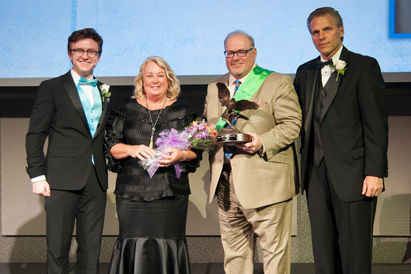 Master Spas CEO receives the Junior Achievement Bel Award